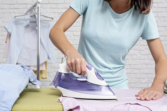 วิธีรีดเสื้อโปโล เสื้อยืด เสื้อสกรีน ให้เรียบฉบับง่าย! อย่างไม่น่าเชื่อ