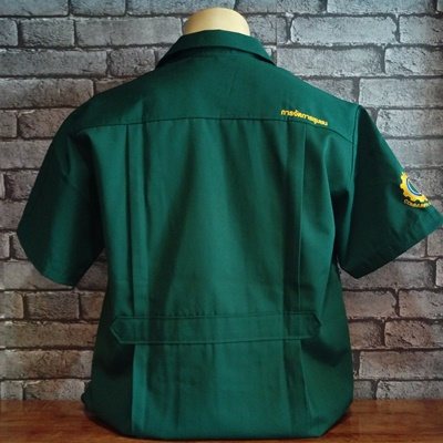 เสื้อช็อปสีเขียว ปักข้อความหลัง